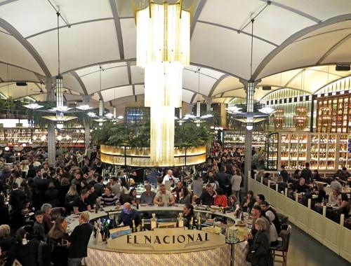 aquelesqueviajam barcelona elnacional3 500x380 - El Nacional: experiências diferentes no mesmo restaurante