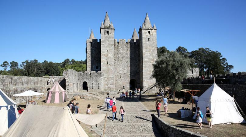 Viagem Medieval em Terras de Santa Maria da Feira: a maior de Portugal 1
