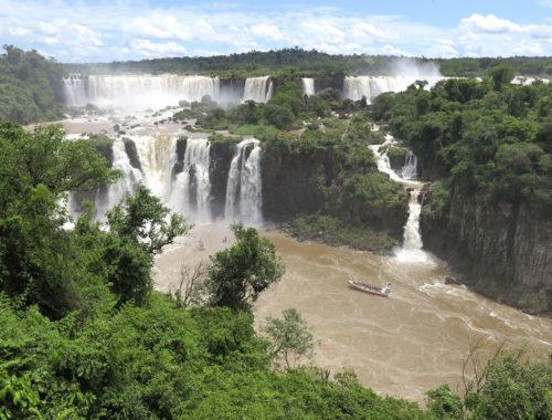 Aqueles que viajam para Foz do Iguaçu 1