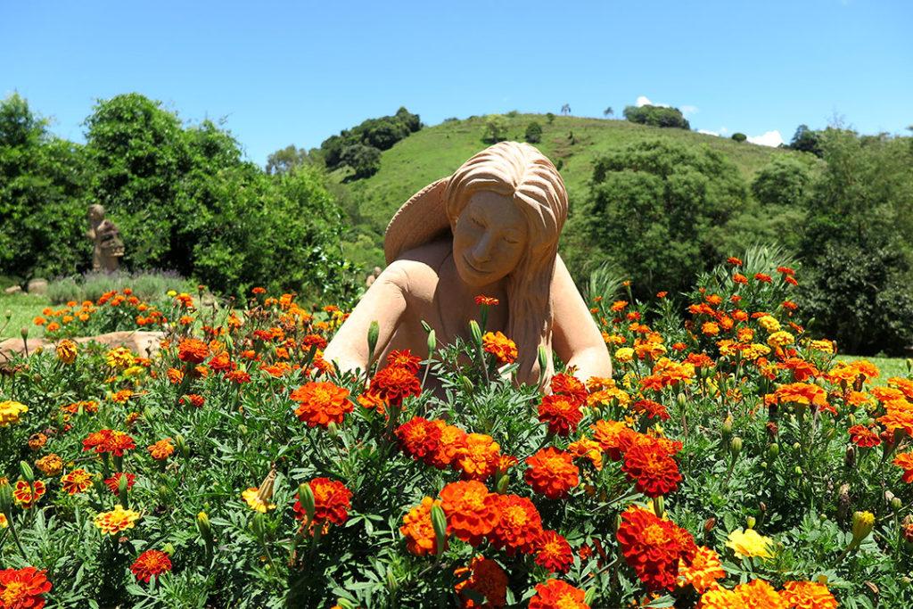 jardim-das-esculturas-escultura-giselda