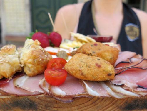 dona petisca 500x380 - Dona Petisca: petiscos que são uma viagem gastronômica por Portugal