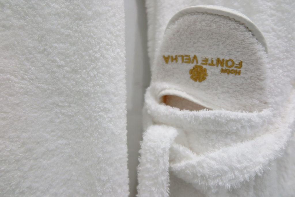 hotel-fonte-velha-chinelos